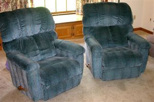 Raleigh Lazy Boy Two Matching La Z Boy Recliner Rockers